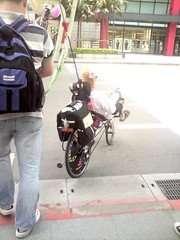 現在很流行自行車阿  這樣也很cool