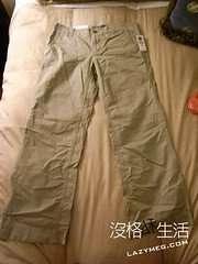 GAP買的卡其工作褲 還是最愛休閒風啦