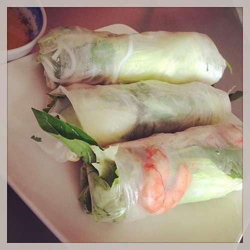 越南春捲,透明餅皮讓我想到人肉餃子,楊千樺(考~考~)的咀嚼嬰兒的肉回春那場景